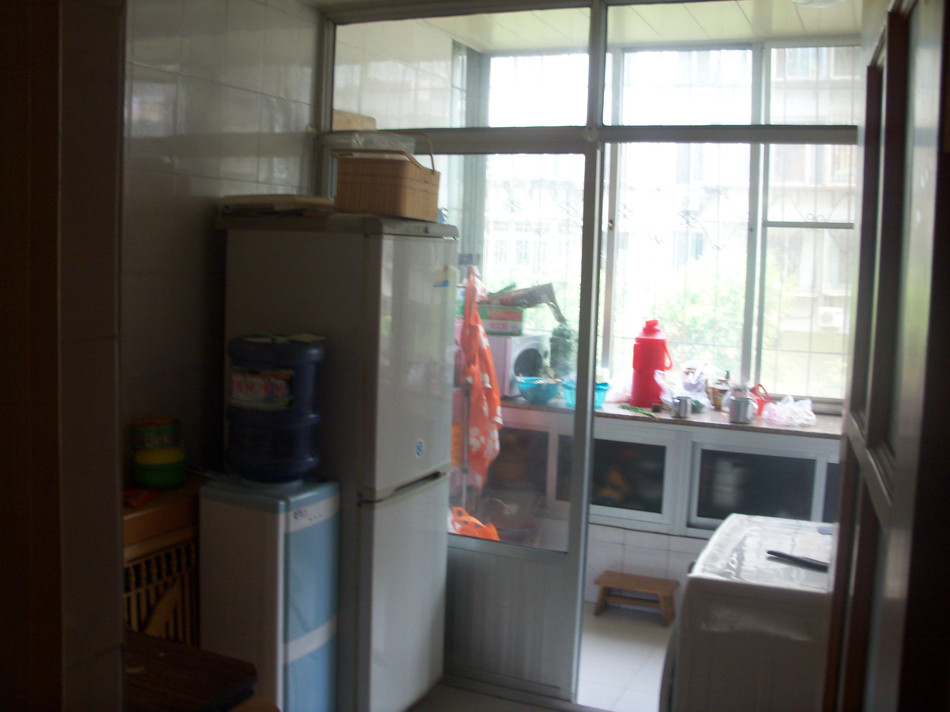 青岛66中学生宿舍