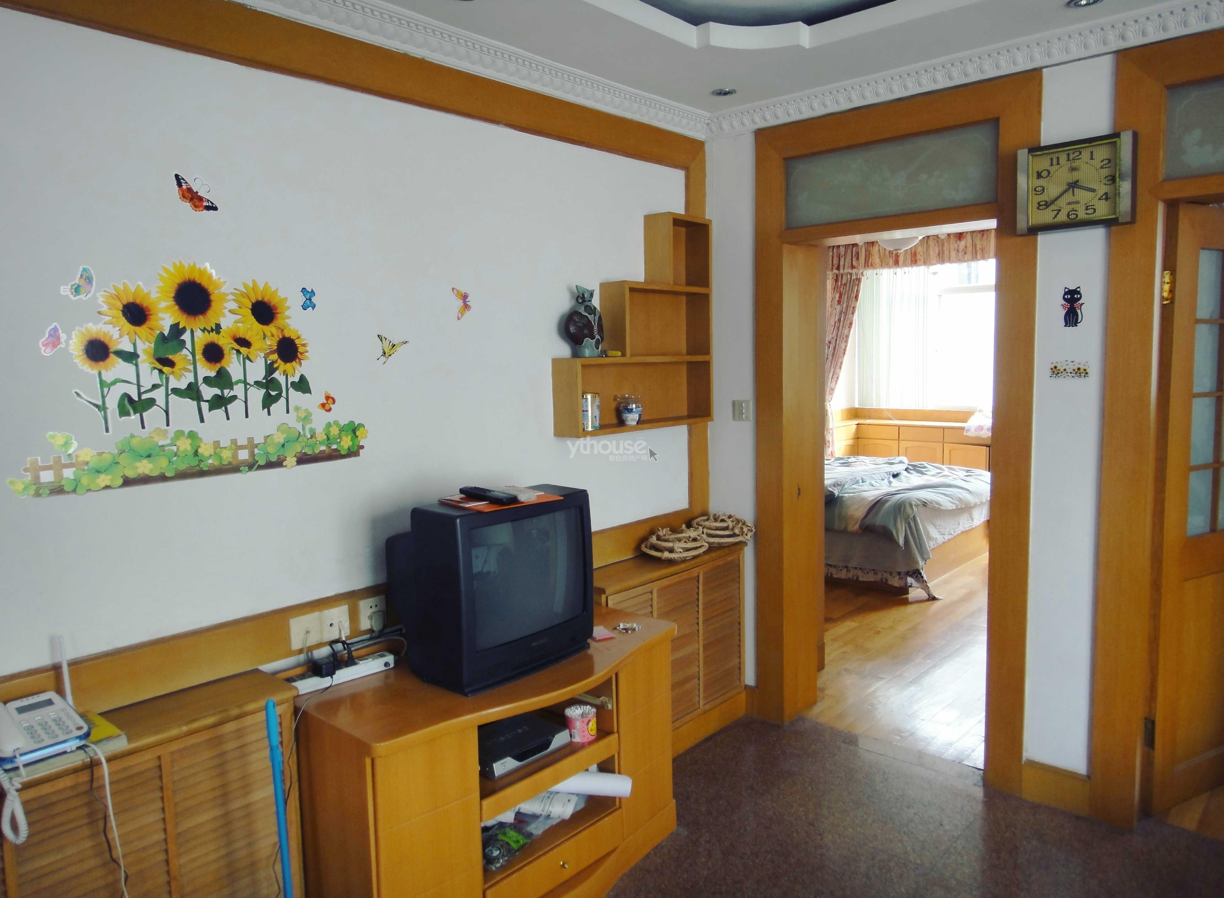 房源图片客厅至两南卧室